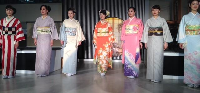 『京都おさんぽ#16』KIMONO SHOW! 西陣織会館のご紹介。