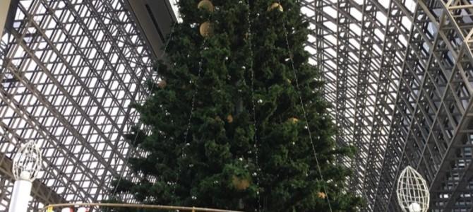 『京都おさんぽ#70』洋から洋へ。ハロウィンが終わり、京都駅前には早くもお目見えです!